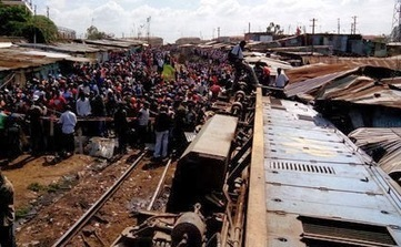 Katwekera - The Noize Maker: IMAGES AROUND THE SCENE WHERE A CARGO TRAIN DERAILED IN LAINI SABA - KIBERA | katwekera ^ namba 8 baibe | Scoop.it