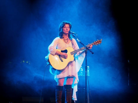 Amy Grant in Greeneville with the E-M1 - Reba Baskett Photography | Olympus OM-D E-M1 | Scoop.it