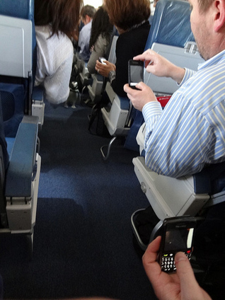 Read This Before Turning On Your Phone Inside the Plane - Blogs - MyTechLogy | Technology | Scoop.it