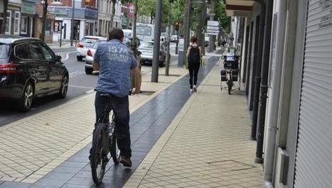 Calais : des riverains se mobilisent contre les vélos sur le trottoir - La Voix du Nord   Revue de web de Mon Cher Vélo   Scoop.it