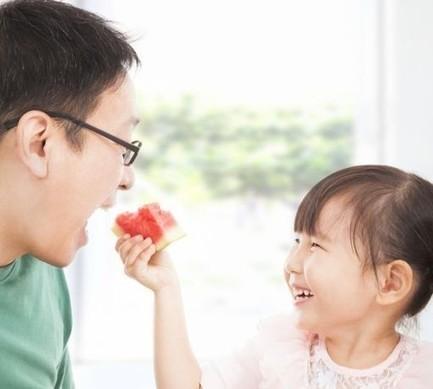 Pour le bébé, ce que mange le futur papa compte aussi - News Grossesse & bébé - Doctissimo | Autour de la puériculture, des parents et leurs bébés | Scoop.it