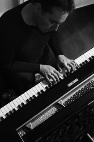 Pianist Alex Bugnon grew up among the greats | KansasCity.com | OffStage | Scoop.it