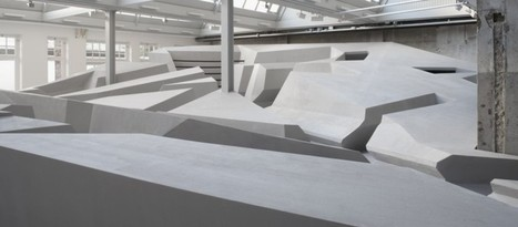 This Futuristic Office Doesn't Have Any Furniture At All | Collaborative Growth | Scoop.it