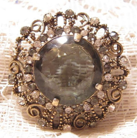 Kramer of New York Glass Rhinestone Brooch Pendant | Fabulous Vintage Jewelry | Scoop.it