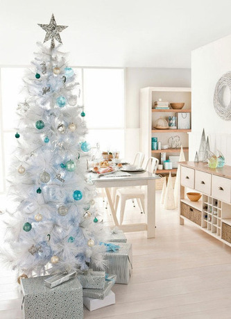 Retro Holiday: 10 Beautiful White Christmas Trees | Apartment Therapy Los Angeles | What Surrounds You | Scoop.it
