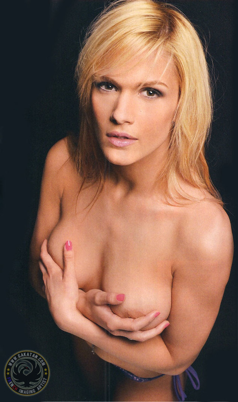 Photos : Caroline Boutier nue dans Entrevue Novembre 2011 | oulacaro | Scoop.it
