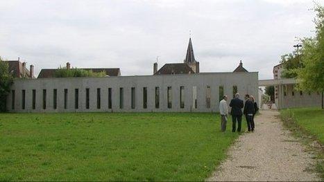 Mois de l'architecture contemporaine : à Saint-Loup-de-Varennes, la cantine a du goût | Revue de presse du CAUE de la Nièvre | Scoop.it