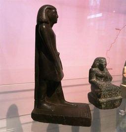 Una antigua estatua egipcia en el Museo de Manchester gira sola | Curiositats | Scoop.it