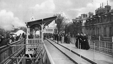 Rare Photos of Paris's Mechanical Moving Sidewalks from 1900 | Strange days indeed... | Scoop.it