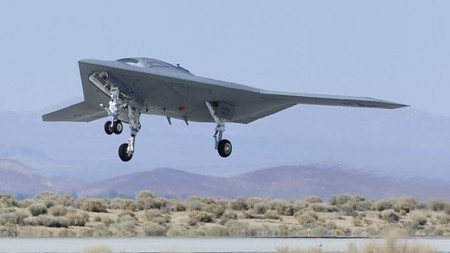 X-47B unmanned robot aircraft completes first major phase of flight-testing   Robots and Robotics   Scoop.it