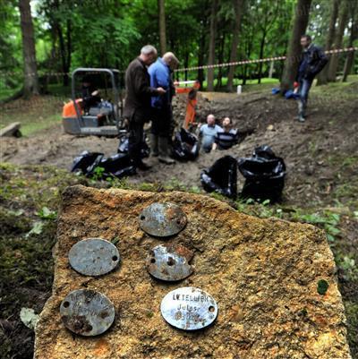 Fleury-devant-Douaumont (Meuse) : 10 (13 ?) corps de poilus de 1916 retrouvés par des touristes allemands - 5 identifiés !  - Le Républicain Lorrain | Nos Racines | Scoop.it