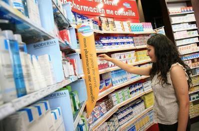 """Automédication: marché en baisse pour la première fois depuis 2009   La pharmacie de demain sera-t-elle """"click & mortar""""?   Scoop.it"""