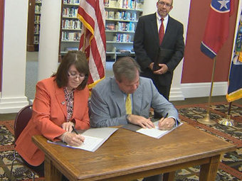 Nashville Mayor, USCIS Partner To Strengthen Citizenship Education | Tennessee Libraries | Scoop.it