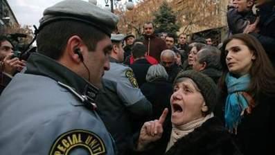 Duizenden mensen op straat tegen verkiezingsresultaat in Armenië - Het Laatste Nieuws   Verzorgingsstaat (Nederlands)   Scoop.it