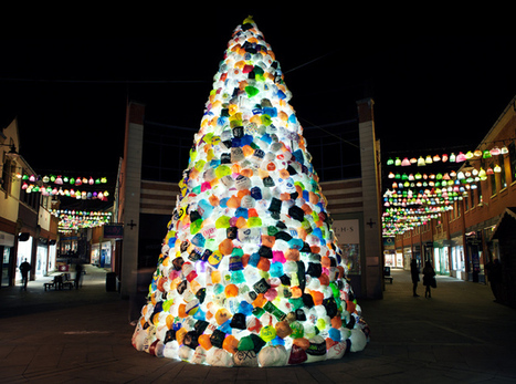 Consumerist Christmas Tree by Luzinterruptus   Art Installations, Sculpture, Contemporary Art   Scoop.it