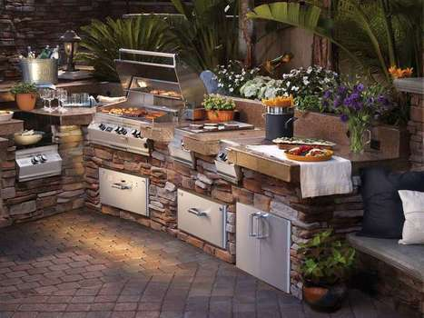 Stone Outdoor Kitchen With Flowers   Rhinway- home design   Scoop.it