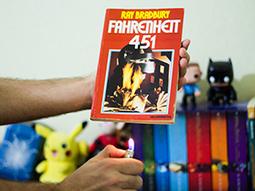 Clássicos da Ficção Científica #1 Fahrenheit 451 - Who's Geek | Ficção científica literária | Scoop.it