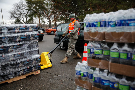 Judge Orders That Bottled Water Be Delivered to Residents of Flint, Mich. | Everything Is Broken | Scoop.it
