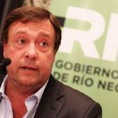 First Kirchnerite governor crosses the line and joins opposition group | Latin America | Scoop.it