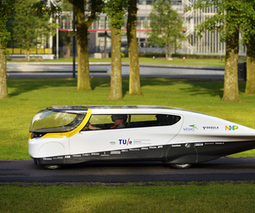 Solar - powered ' family car ' of the future prepares to race   Tropical Solar   Scoop.it