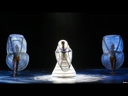 ▶ Horizon by Ralph Zurmühle in MOMIX Alchemy - YouTube | Music, Videos, Colours, Natural Health | Scoop.it