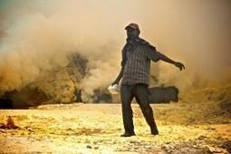 Photo essay: The sulfur miners of Ijen, Indonesia | Scoop Indonesia | Scoop.it