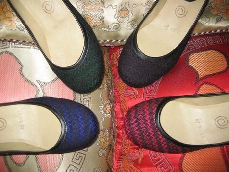 Flats Colección Rebozos 2 de mae papos por Lluvia Amezcua. Concepto creativo: Mónica Koppel | accesorios, bolsas, zapatos, ropa, carteras, libretas....productos artesanales y asociados al aspecto holístico | Scoop.it