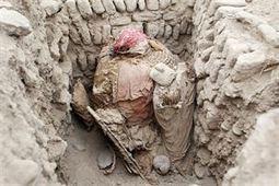 Hallan intacta en Perú una tumba de unos 1.000 años con un adulto ... - Europa Press   historian: science and earth   Scoop.it