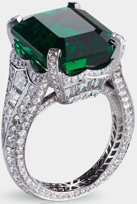 Centered by a 13.73 carat emerald and featuring 14 baguette diamonds a   FanPhobia - Celebrities Database   Tattos and Jewelry   Scoop.it