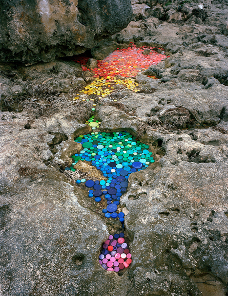 Washed Up: Alejandro Duran's Site-Specific Found Plastic and Trash Installations | The Best of Art & Imagination | Scoop.it