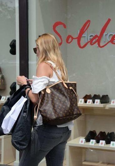 Soldes : «Nous voilà habillées pour l'été à moitié prix» | Actu et stratégie e-commerce | Scoop.it