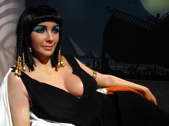 Ancient Egyptian Clothing: Queen Cleopatra -- Facts, Pictures and Dress | Reinas de la Antigüedad | Scoop.it