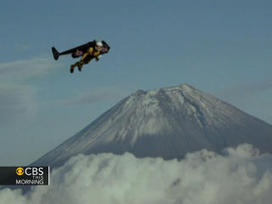 Man flies around Mt. Fuji using jet-powered wing | AP HUMAN GEOGRAPHY DIGITAL  STUDY: MIKE BUSARELLO | Scoop.it