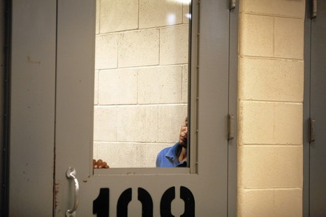 More jails refuse to hold inmates for federal immigration authorities   SocialAction2015   Scoop.it