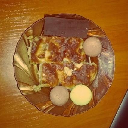 Igloinor arts? O_o • Sweet apple pie, choco snack and macaroons… Yumm... | Food Technology | Scoop.it