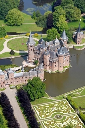 Dutch Castle in Utrecht, The Netherlands   The Best Places in the World to Travel   Scoop.it