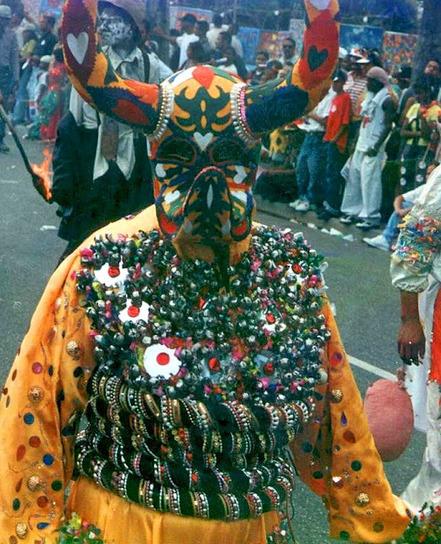 ComJeitoeArte: O Carnaval pelo mundo - máscaras | Arte de cor | Scoop.it
