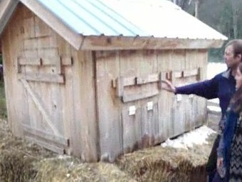 How to Heat Your Chickens With Compost | Local Economy in Action | Scoop.it