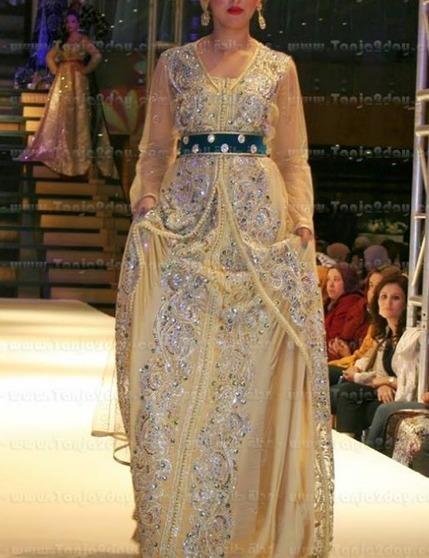 Photos Caftan 2014 - Défilés Caftan Marocain Haute Couture ~ Caftan Marocain Boutique Takchita 2014 : Vente Location Caftan au Maroc | Caftan 2014 | Scoop.it