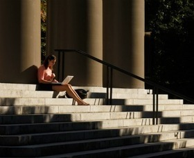 Colleges Are Warming Up to Online Learning (Teachers Are Not) | Leveraging Information | Scoop.it