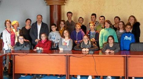 Les collégiens des classes Ulis accueillis en mairie | e-revue de presse | Scoop.it