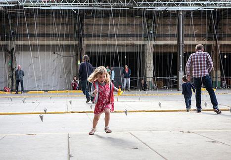 Instalação de arte faz com que visitantes dancem mesmo sem querer   Arte e Tecnologia na Educação   Scoop.it