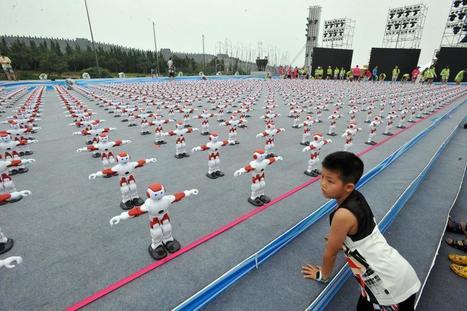 Watch 1,007 Dancing Robots Break a Guinness World Record | Galatée | Scoop.it