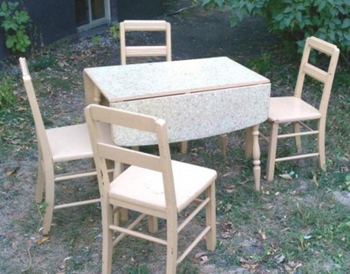 Antique Drop-Leaf Farm Table & Chairs | Antiques & Vintage Collectibles | Scoop.it