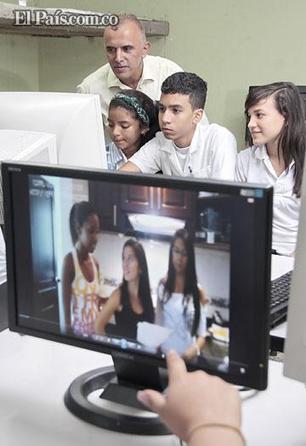 La historia del profesor caleño que enseña inglés usando las redes ... - El Pais - Cali Colombia | curso#ccfuned:aprendizaje basado en proyectos | Scoop.it