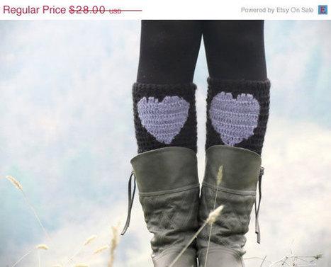 DISCOUNT Boot Cuffs Black Grey Short Heart Knit Boot Cuffs. Love Heart Short Leg Warmers. Crochet heart Boot Cuffs. Legwear black gray by EmofoFashion | women fashion | Scoop.it