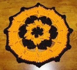 Halloween Doily by Crochet 'N' More - Crochet Pattern Bonanza | Free Crochet Patterns | Scoop.it