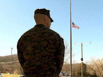 Father, Former Marine Stands Guard At Elementary School | Littlebytesnews Current Events | Scoop.it