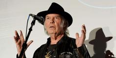 Neil Young fait un malheur avec son baladeur haute définition ! - Francetv info | Edition - Musique - Cinéma - Jeu Vidéo | Scoop.it