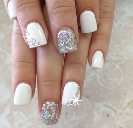 Christmas nails design 3 – Images and Pictures | Fashion Home decor Tattoos Beauty Pictures | Scoop.it